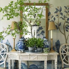 Beautiful vignette by Maura Endres @m.o.endres on instagram. Love the hand-painted mural in her #diningroom