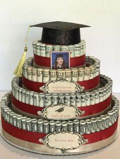 10 Graduation Cakes Everyone At Your Party Will Love Money Birthday Cake, Money Cake, Birthday Gifts, Money Lei, Earn Money, Graduation Celebration, High School Graduation, Creative Money Gifts, Money Gifting