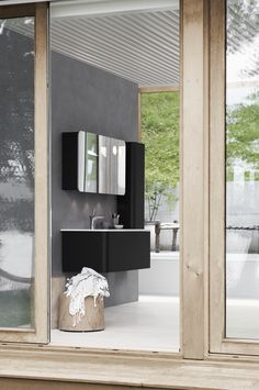 When simplicity takes over calmness flourishes. Dansani Curvo allows you to furnish your room with discreet elegance and simple beauty. Shower Enclosure, Bathroom Furniture, Flourishes, Mirror, Lighting, Simple, Bathrooms, Home Decor, Beauty