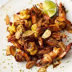 Sticky Mango Prawns, Food And Drinks, Jamie Oliver& Sticky Mango Prawns make the most of bold flavours of mango chutney and king prawns to create a simple but flavourful stir fry. Healthy Prawn Recipes, Shellfish Recipes, Seafood Recipes, Dinner Recipes, Cooking Recipes, Chef Recipes, Asian Recipes, Dinner Ideas, Entrees
