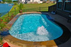 Everyone loves luxury swimming pool designs, aren't they? We love to watch luxurious swimming pool pictures because they are very pleasing to our eyes. Now, check out these luxury swimming pool designs. Small Inground Pool, Small Swimming Pools, Luxury Swimming Pools, Luxury Pools, Dream Pools, Swimming Pool Designs, Lap Pools, Indoor Pools, Backyard Pool Landscaping