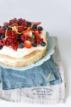 Торт с заварным кремом и ягодами - Чадейка