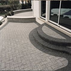 Unilock paver patio with Series 3000