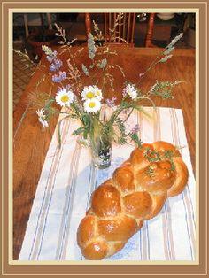 Tresse (Züpfe) | La cuisine de maman ~Looks like Swiss Challah to me :))