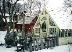 The-Little-Shop-Antiques.jpg 585×425 pixels