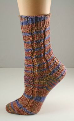 Sweet Pea Socks Knitty: Summer 2007