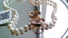 В случае, если нет подходящего размера -  все кольца от Дворца обручальных колец в Томске оснащены QR кодом, что позволяет оперативно сделать заказ и разместить его на производстве.