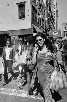 Lee Friedlander Captures the City's Hustle and Flow Monochrome Photography, City Photography, Black And White Photography, Lee Friedlander, Black And White City, Black And White Pictures, Leica, Garry Winogrand, Photography Essentials