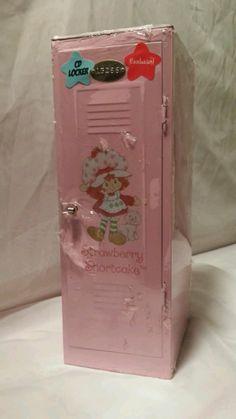 """Strawberry Shortcake 12"""" vintage CD locker"""
