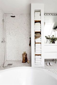 Savvy Bathroom Storage Ideas Solutions for Storing Bath Supplies White savvy bathroom towel storage ideas for modern and minimalist bathroom design. White savvy bathroom towel storage ideas for modern and minimalist bathroom design. Bathroom Towel Storage, Bathroom Towels, White Bathroom, Bathroom Wall, Shower Storage, Shower Towel, Open Bathroom, Rental Bathroom, Storage Shelves