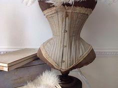 ≥ Shabby wespentaille corset - Antiek | Kleding en Accessoires - Marktplaats.nl