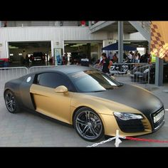 These guys are the stars of the streets. Matte Car Paint, Matte Cars, Matte Black Cars, Black Audi, Audi R8 Car, Car Painting, Car Wrap, Cars And Motorcycles, Luxury Cars