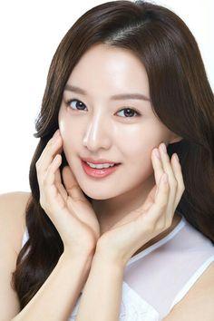 Korean Actresses, Actors & Actresses, Korean Beauty, Asian Beauty, Porcelain Skin, Kim Ji Won, Hanbin, Stunningly Beautiful, Pretty And Cute
