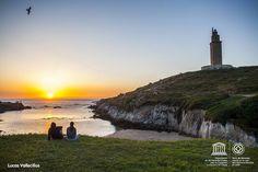 En @Spain buscan tu atardecer favorito en España. Comparte las impresionantes puestas de sol de A Coruña. Y no te olvides de usar el hashtag #SunsetInSpain y #VisitSpain, además de #VisitCoruna y #VisitaCoruña.   Share your best sunset pics in A Coruña! Pick your photos, add the hashtags #SunsetInSpain and #VisitSpain, and enjoy the challenge of @Spain!    #InstaChallenge #Instagram #Reto #VisitSpain #sunrise #sunset #ACoruña Challenge, Lighthouse, Old Things, World, Water, Instagram, Outdoor, Sunsets, Towers