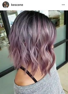 Smoky Lilac Is the Glam-Grunge Hair Color You Should Try - Frisuren - Lilac Hair Hair Color Pink, Cool Hair Color, Pink Grey Hair, Purple Bob, Metallic Hair Color, Pastel Purple Hair, Grey Ombre Hair Short, Hair Colours, Pastel Grey