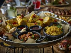 Spanish style casual dining is perfect with its small plates and finger food Smokehouse, Small Plates, Spanish Style, Platter, Finger Foods, Catering, Presentation, Trends, Dining