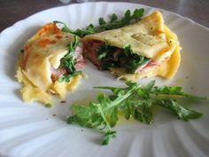 FORNELLI IN FIAMME: SALTED CREPE WITH PARMA HAM,ROCKET AND FONTINA.- Crepe salata con prosciutto crudo di Parma, rucola e fontina