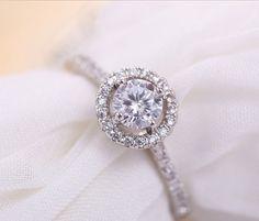 Aliexpress.com: Comprar Nuevos corazones y flechas cortan Cubic Zirconia diamantes de Halo anillo de compromiso para el día de san valentín de diamante líquido fiable proveedores en HSIC Jewelry