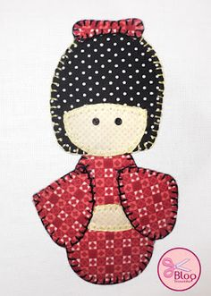 """Mais uma linda idéia com a técnica do Apliquê! Faça esta linda boneca japonesa, chamada """"Kokeshi"""" Você vai precisar de: 1 pano de c..."""