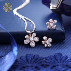 Gold Diamond Earrings, Diamond Pendant, Diamond Jewelry, Gold Jewelry, Jewelery, Fine Jewelry, Manubhai Jewellers, India Jewelry, Latest Jewellery