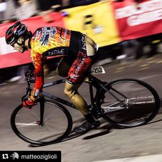 Caption generator failed. Help wanted. #tomanybuttjokesinmyhead #redhookcrit #rhcno6 #milano Respect to the guy for not quitting!  #Repost @matteoziglioli ・・・ Ride hard or go home #redhookcrit #rockstargames #rhcp #redhookmilano @redhookcrit @asssavers