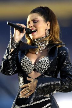 Shania twain super bowl breasts