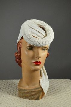 FABULOUS! 1940'S VINTAGE WOMEN'S MODIFIED TURBAN DONUT RING HAT/FASCINATOR!. Available at rpvintage.com. SOLD