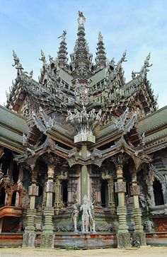 Sanctuary Of Truth in Pattaya national landmark of Thailand