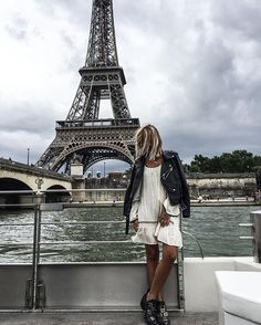 Beauty #eiffeltower . Not weather ☁️ with @zadigetvoltaire
