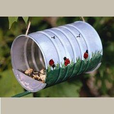 Mangeoire boîte de conserves