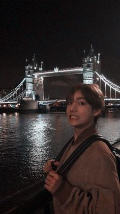 Jungkook is the king of Korea and Yoongi is a thief. Jungkook catches Yoongi stealing from the palace but doesn't call the guards because the thief is kinda cu. Daegu, Foto Bts, Bts Taehyung, Namjin, Taekook, V Smile, V And Jin, V Bts Cute, Bts Pictures