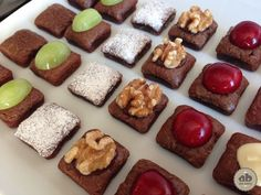 Mini Brownies de chocolate con fruta | Alice Bakery