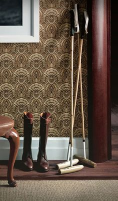 Get the equine look in your own home using a palette of browns and creams accented with deep brown leather.