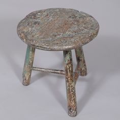 "Folk Art Painted Stool - 19th century Diam: 11.5"" / 29 cm Height: 10.5"" / 27 cm"