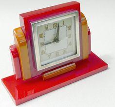 Red catalin Bayard clock, photo by BrunoParis in flickriver.com