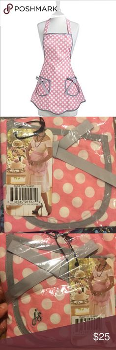 """NWT Jessie Steele Pink Polka Ava Apron Brand new with tags - still in plastic packaging (never opened)! Adorable Jessie Steele """"Rosy Pink Polka Ava Apron""""! Currently on Amazon for $32+! Jessie Steele Other"""