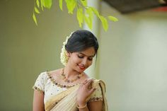 Next Post Previous Post Fashion Fotography Inspiration Faces 35 Ideas Next Post Previous Post 40s Fashion, Summer Fashion Outfits, Fashion Pants, Trendy Fashion, Boho Fashion, Fashion Models, Saree Poses, Kerala Bride, Kerala Saree