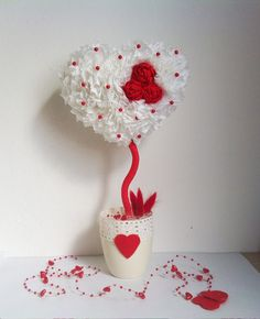 ideas chocolate bouquet ideas creative centerpieces for 2019 Creative Gift Wrapping, Creative Gifts, Creative Ideas, Valentines Day Decorations, Valentine Day Crafts, Decor Crafts, Diy And Crafts, Pinterest Valentines, Design Floral
