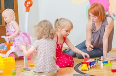 photodune-7888334-kids-playing-in-kindergarten-s.jpg 951×630 pikseliä