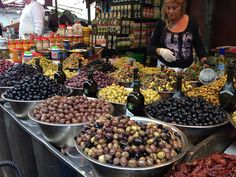 Olives in Tel Aviv's Carmel market Israel Trip, Israel Travel, Tel Aviv, Kung Pao Chicken, Olives, Beans, Vegetables, Ethnic Recipes, Food