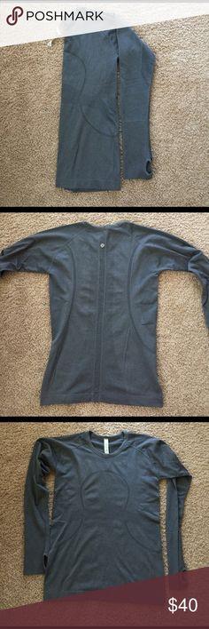 Used Lulu Swiftly Tech Crew Long-sleeve. Like New condition. Size 10. Gray. lululemon athletica Tops Tees - Long Sleeve