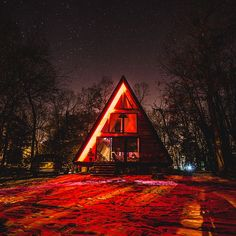 Christmas A-Frame or Star Wars A-Frame? You decide... . All photos by @roccoavallone at #LokalAframe. . In case you missed our LIVE video today, it will be up for another 23 hours in our story. Check it and message us with any questions. We skipped a lot we could have gone over in interest of keeping it short... . Thanks for watching and have a great Holiday everyone! We're signing off of tech for a few days... see you next week!