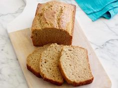 Banana Bread : If a small loaf pan fits into your toaster oven, a banana bread or zucchini bread can be baked in there. Toaster Oven Recipes, How To Cook Corn, Easy Meal Prep, Eating Raw, Banana Bread Recipes, Roasted Sweet Potatoes, Food Network Recipes, Dessert Recipes, Dinner Recipes