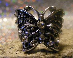 Vintage Silver Czech Rhinestone Women's Retro Butterfly Ring.  This ring will make your hand sparkle.  Beautiful detailing.