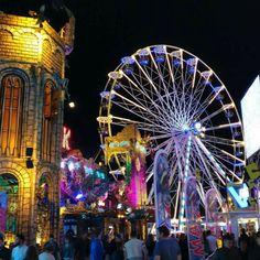 2016 | Mega Kermis Uden | label Hier houden we van Ferris Wheel, Fair Grounds, Travel, Instagram, Day Planners, Viajes, Destinations, Traveling, Trips