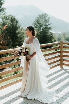 Hidden away in the mountains, Scribner's Catskill Lodge is the perfect hidden setting for a magical and inspirational wedding by Eileen Meny Photography.