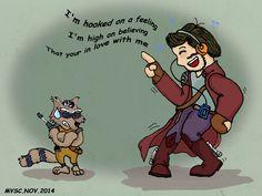 Parodiando a Guardians of the Galaxy, Mike (como Star Lord) y su amigo David, alias el manguito, alias el mapachito (como Rocket Racoon).