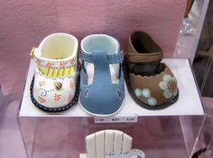 Résultats Google Recherche d'images correspondant à http://www.eatcookcode.com/wp-content/uploads/2012/06/fondant_baby_shoes.jpg