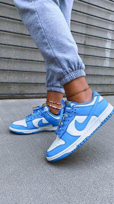 Dr Shoes, Cute Nike Shoes, Swag Shoes, Cute Sneakers, Nike Air Shoes, Hype Shoes, Jordan Shoes Girls, Girls Shoes, Sneakers Fashion