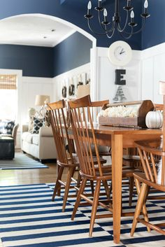 Fall decor in navy & white. Neutral fall decor with white pumpkins. White pumpkin decorating ideas for fall. Board and batten living room navy, white, fall. Simple Living Room Decor, Fall Living Room, Beverly Hills, Small Dining, Farmhouse Style, Rustic Style, Room Inspiration, Fall Decor, Modern